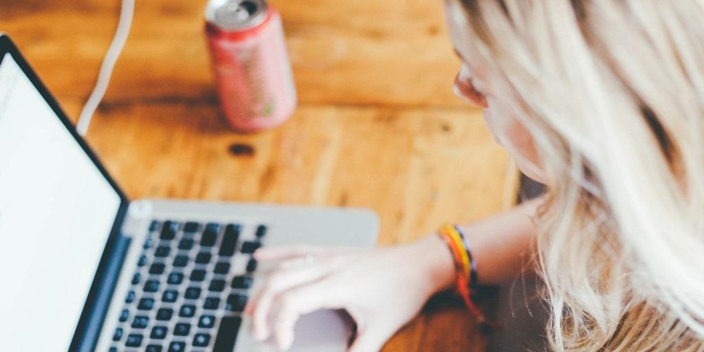 Сколько времени нужно уделять работе над текстами, чтобы научиться писать?